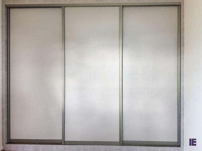 https://www.inspiredelements.co.uk/wp-content/uploads/2020/04/37-sliding-wardrobe-3m_-700x524.jpg