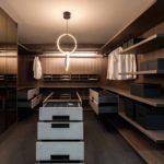 Linear-Walking-Wardrobe-with-Bronze-mirror-brown-orleans-oak-finish-(4)