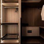 Linear-Walking-Wardrobe-with-Bronze-mirror-brown-orleans-oak-finish-(8)