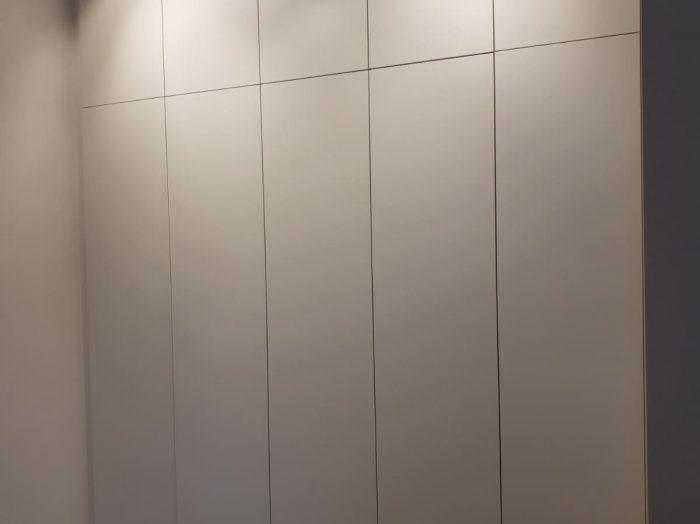 https://www.inspiredelements.co.uk/wp-content/uploads/2020/05/31-hallway-wardrobe2-700x524.jpg