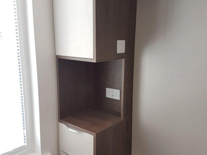 https://www.inspiredelements.co.uk/wp-content/uploads/2020/05/white-walnut-bridge-wardrobe-led-framed-1-700x524.jpg