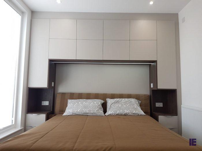 https://www.inspiredelements.co.uk/wp-content/uploads/2020/05/white-walnut-bridge-wardrobe-led-framed-4-700x524.jpg