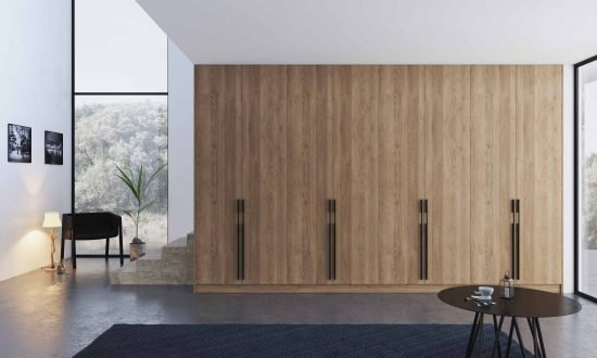 Hinged Fitted wardrobe with Oak finish