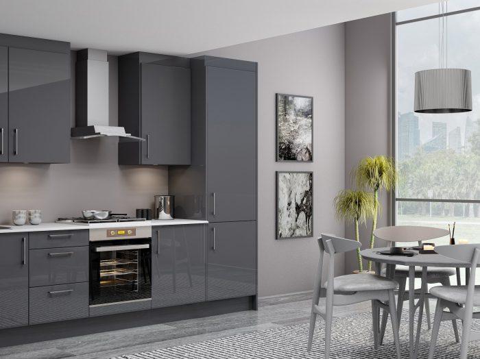 https://www.inspiredelements.co.uk/wp-content/uploads/2021/04/10ft-Easyline-kitchen-with-handle-in-dark-grey-matt-finish-1-700x524.jpg