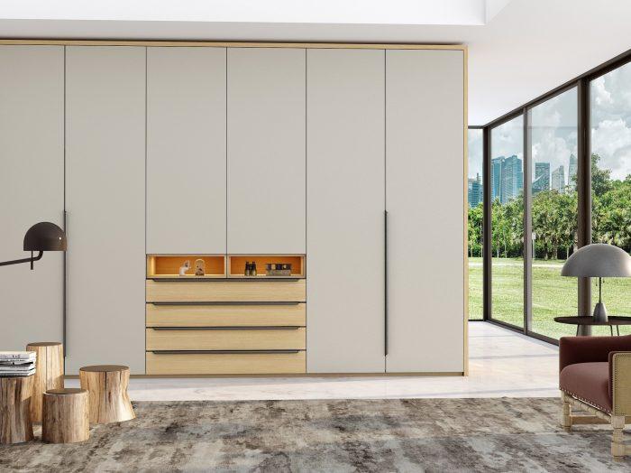 https://www.inspiredelements.co.uk/wp-content/uploads/2021/04/Hinged-wardrobe-with-chest-drawers-in-perfect-matt-light-grey-and-woodgrain-Kaiserberg-oak-finish-2-700x524.jpg